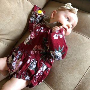 Maroon floral bodysuit / onesie bell sleeve 9M LN